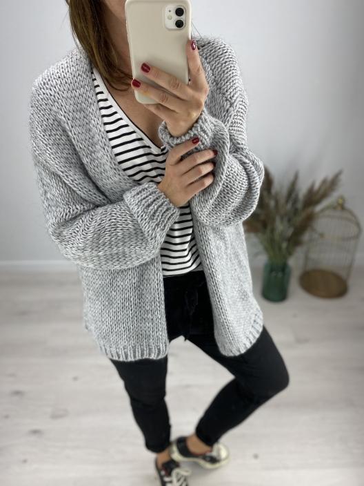 Otulający sweter Basic