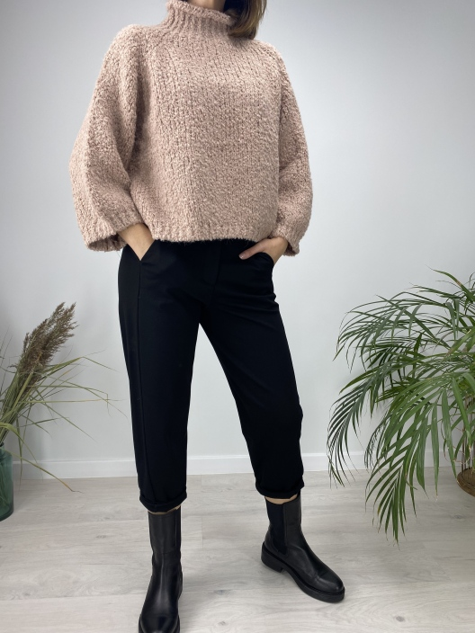 Sweter Boucle pudrowy róż