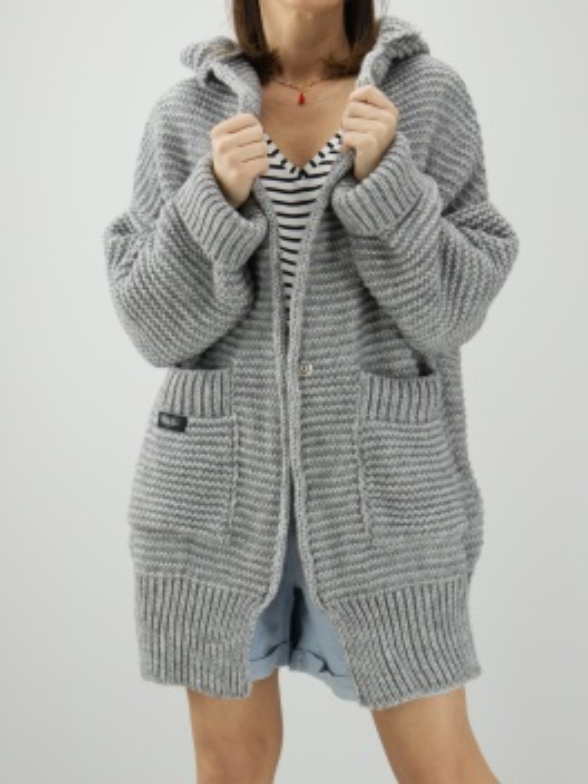 Sweter o grubym splocie z...