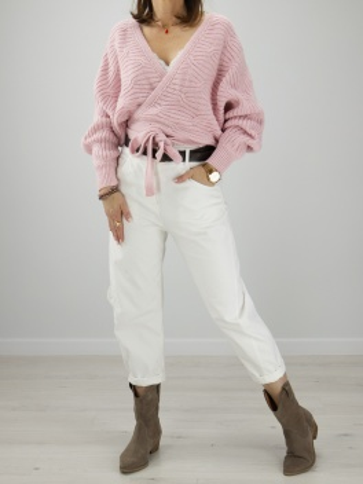 Sweter z wiązaniami róż