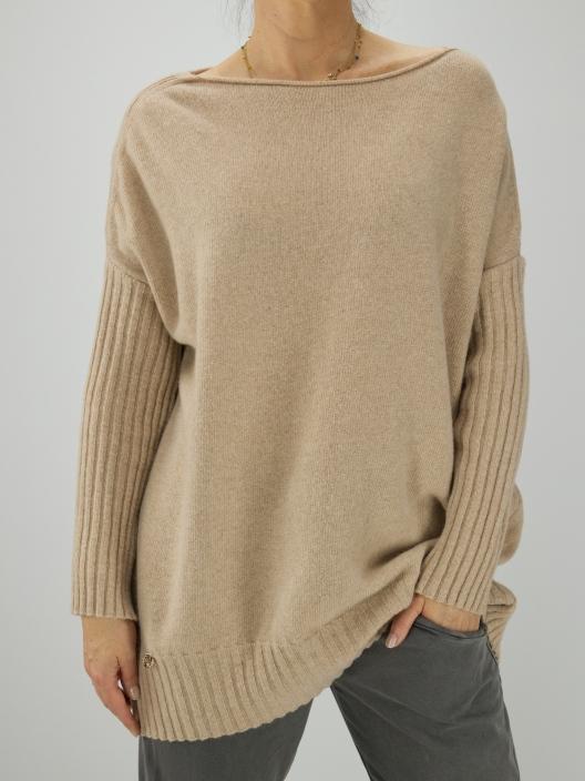 Sweter wełniany z...